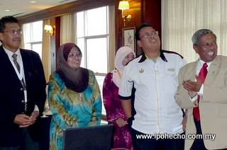 PTA Retreat: Dato Hamidah (2nd from left), Mohd Odzman (extreme right)