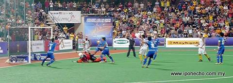1 Malaysia's 2nd goal by Abd Rahim Mohd Razie (shirt 17) in the 57th minute.