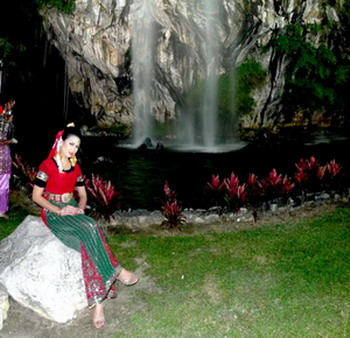 1 MBI Dancer Intan Marlimah posing in front of the man-made waterfall at Gunung Lang (2)