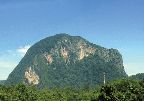 ipoh echo issue 138, Perak Tourism News Volume 7, Kinta Valley's Limestone Hills and Caves