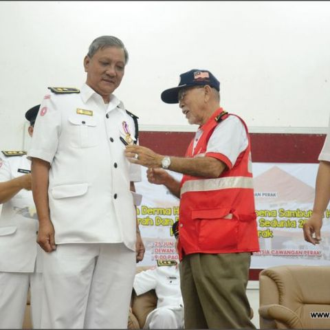 Red Crescent on Donation Drive