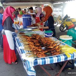 SeeFoon Gathers Her Foodie Troop for Ramadan Patrol