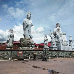 My Say: Giant Statues Towering Over the Beach