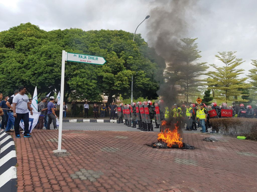 Police Conduct Riot Drills