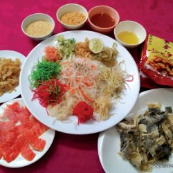 SeeFoon seeks out auspicious food for Chinese New Year