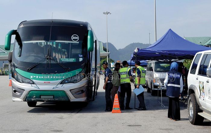 Tourism Perak and MOTAC joint-operation