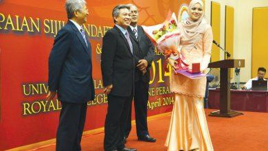 Photo of Medical Graduates Receive Parchments