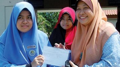 Photo of Izza's Deafness Not an Obstacle