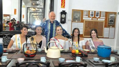 Photo of Beauty Queens at Han Chin Pet Soo