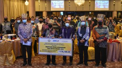 Photo of Friendly Reception Between MB and the Orang Asli