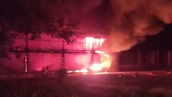 Photo of Fire Consumed 80 Percent of a Shop Lot at Semanggol