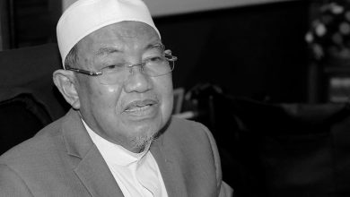 Photo of Late Perak Mufti Laid to Rest