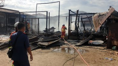 Photo of Houses Severely Damaged by Fire in Gunung Rapat, No Victims Reported