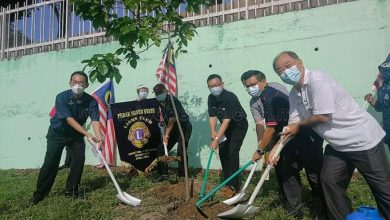 Photo of LCPSS, MBI, SMI Collaborate to Plant Trees and Fly the Jalur Gemilang Flag